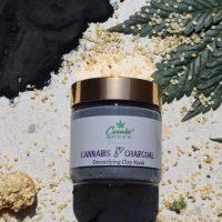 Cannabis Queen   Charcoal & Cannabis / Detoxing Clay Mask 100ml